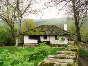 Bozhentsi pueblo bulgaria viaje